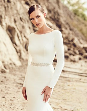 Buying A Wedding Gown For Your Body Shape: Hourglass Style 2105