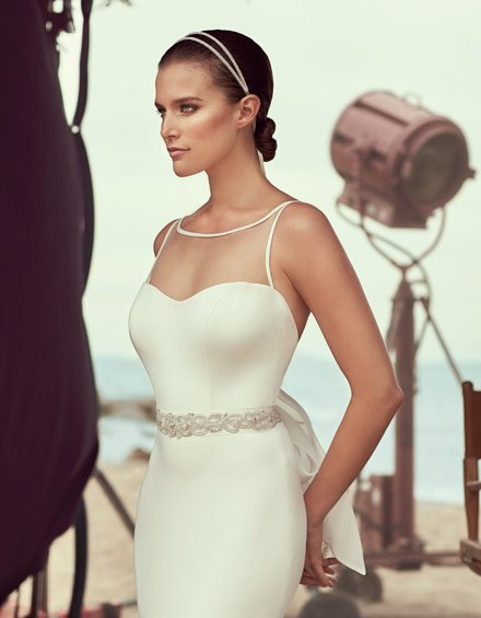 Buying A Wedding Gown For Your Body Shape: Hourglass Style 2183
