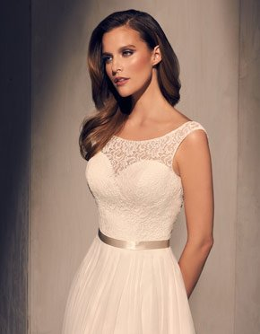 Buying A Wedding Gown For Your Body Shape: Hourglass Style 2219