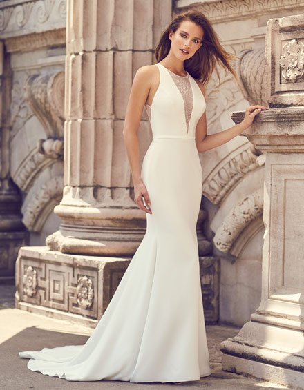 Buying A Wedding Gown For Your Body Shape: Hourglass Style 2239
