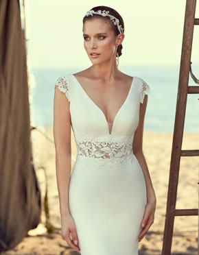 Mikaella What Do You Wear Under A Wedding Dress Low Neckline Style 2181